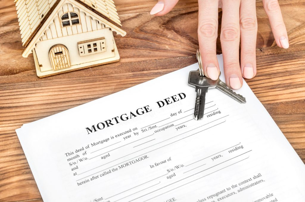 mortgage deed and keys